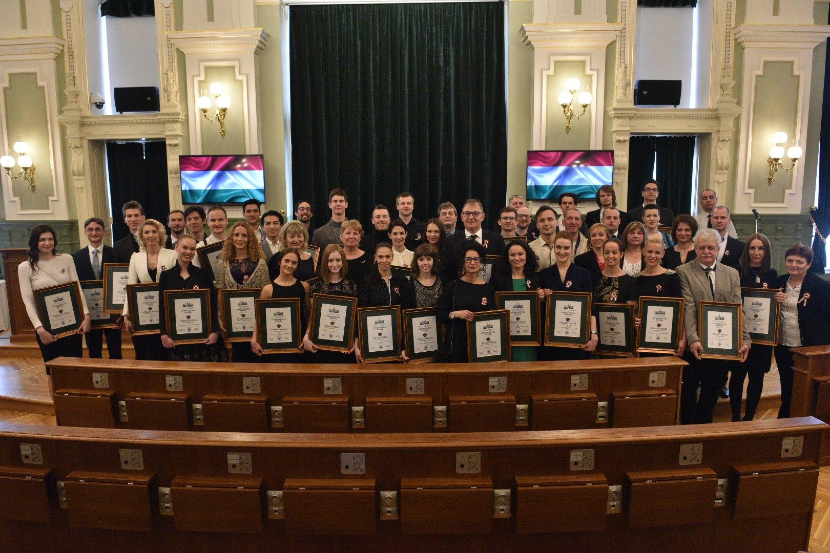Díszpolgári címet kapott a Győri Balett társulata